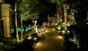low-voltage-landscape-lighting-techniques 1